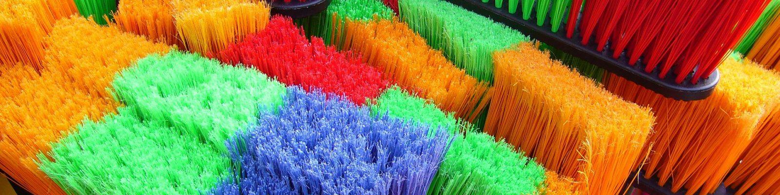 brooms-57256_1920